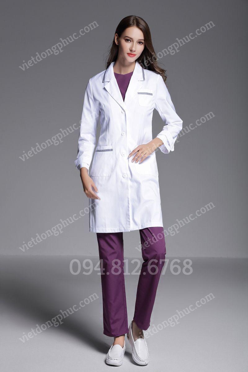 Mẫu áo bác sĩ nam thiết kế thời trang, chuyên nghiệp, ấn tượng