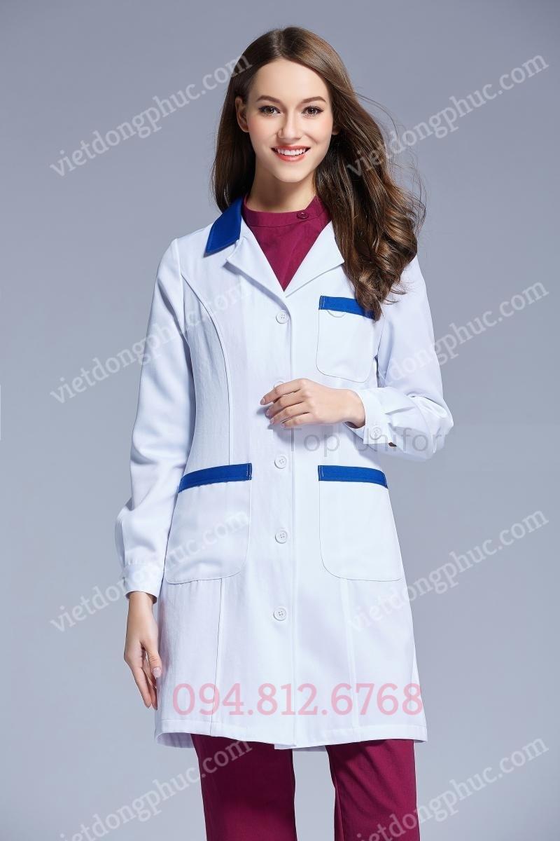 Mẫu áo bác sĩ nữ mới nhất 2019 - Có mẫu sẵn thực tế